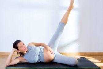 Po porodu nepotřebujete jenom shodit nadbytečná kila, ale potřebujete i zpevnit povolené svalstvo