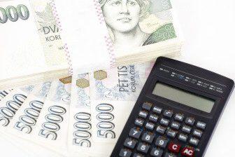 Ani při úhradě umělého oplodnění pojišťovnou, není zaplacena celá částka.