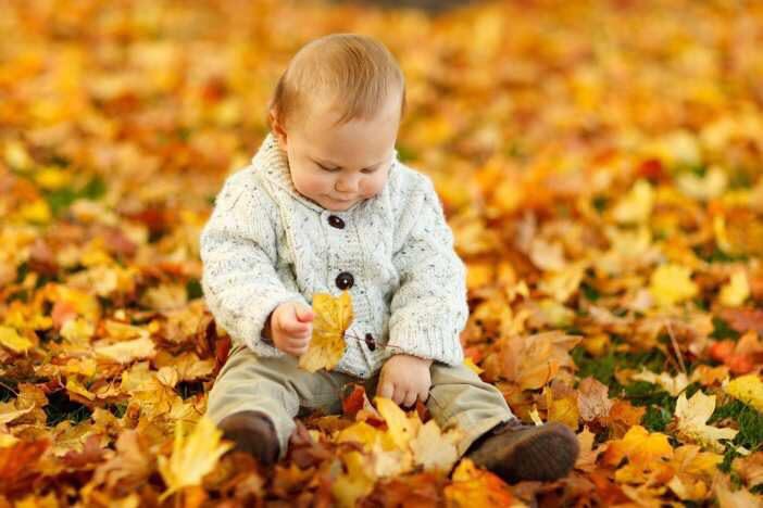 Na porodné vzniká nárok při narození prvního nebo druhého dítěte. Při narození prvního dítěte je 13 500 Kč. Při narození druhého dítěte je 10 000 Kč.