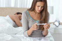 Ke styku, který povede k početí, může dojít tři dny (a vzácně i déle) před ovulací a jeden den po jejím začátku.
