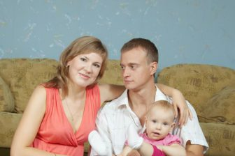 Podívejte se na jaké sociální dávky a jiné formy finanční podpory máte nárok jako rodina s dítětem.