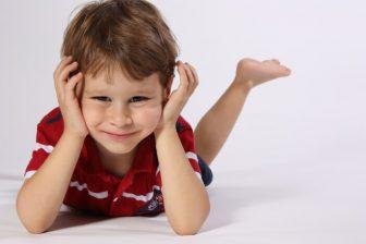 U přídavků na děti se příjmy posuzují zpětně.