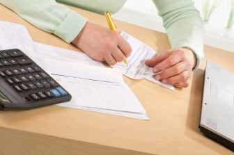Pro výpočet se zpravidla použije příjem za posledních 12 měsíců