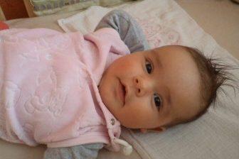 Pokud žena rodí poprvé, a narodí se jí dvojčata, pak dostává porodné 23000 Kč