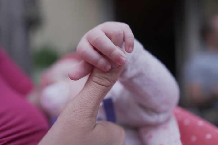 <span>Na neplacené volno po skončení rodičovské nevzniká automatický nárok. Zaměstnavatel vám ho může poskytnout nebo nemusí. Nárok na mateřskou (peněžitou pomoc v mateřství) na druhé dítě, vzniká i při neplaceném volnu. </span>