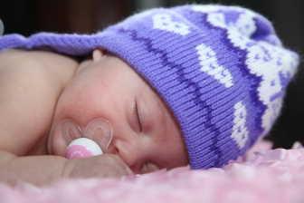 Porodné je sociální dávka, na kterou můžete mít nárok při narození prvního nebo druhého dítěte. Na první dítě je porodné 13 000 Kč.