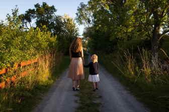 Na náhradní výživné od Úřadu práce bude mít nárok samoživitelka (samoživitel), pokud druhý rodič neplatí alimenty